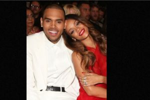 """Después fue perdonado en 2012, cuando participó en la misma ceremonia como parte de un especial llamado: """"El especial del regreso de Chris Brown"""". Foto:Getty Images. Imagen Por:"""