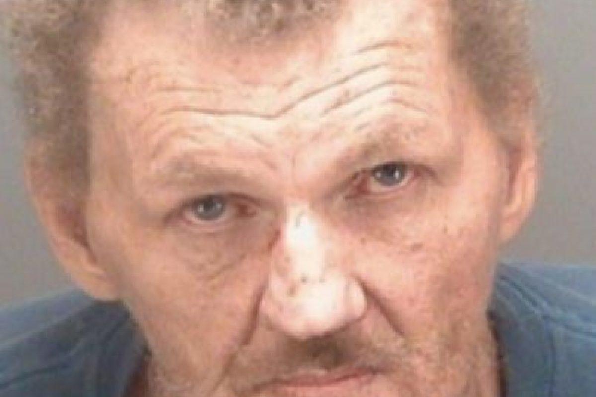 Dennis Emery se disparó cuando trataba de matar al perro de su esposa. Foto:Policía de Pinellas Park. Imagen Por: