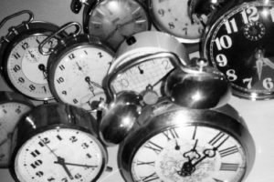 En ocasiones dormimos mal, despertamos varias veces por la noche o tenemos insomnio. Foto:Tumblr.com/tagged/despertador. Imagen Por: