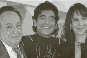 Por estos dos personajes fue adorado en Latinoamérica. Aquí, con Maradona. Foto:El Chavo del 8/Facebook. Imagen Por: