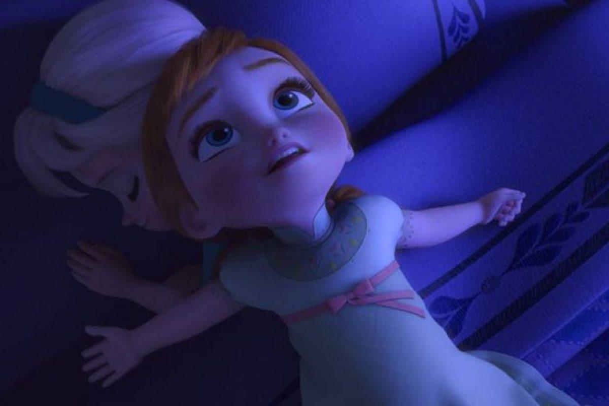 Anna usa la misma pijama de niña y cuando es grande Foto:Facebook/Frozen. Imagen Por:
