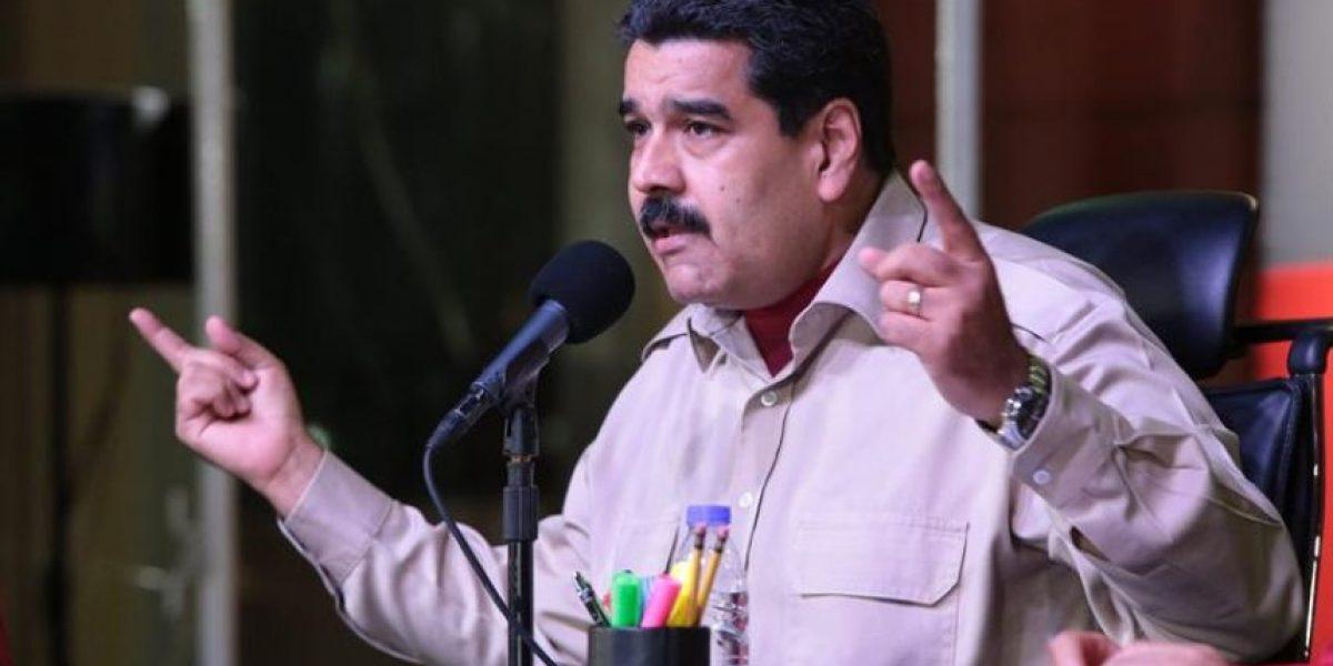 Maduro recorta presupuesto de Venezuela por caída del precio del petróleo