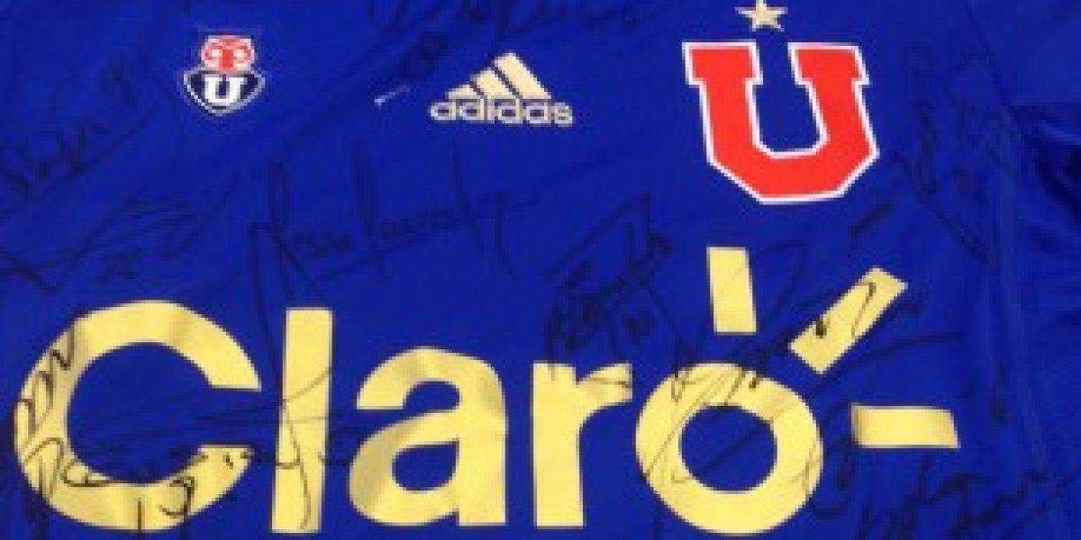 La camiseta de Colo Colo arrasa en el remate de la Teletón
