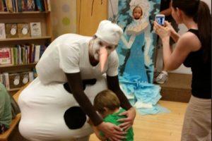 """Otro testimonio de un padre que se indignó porque """"Olaff"""" asustó a su hijo. Foto:Imgur. Imagen Por:"""