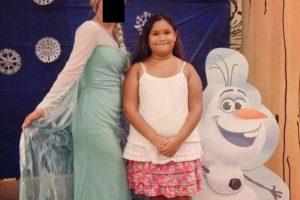 Elsa vestida de sábana Foto:Imgur. Imagen Por: