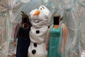 Elsa y Anna vinieron en otras formas. Foto:Imgur. Imagen Por: