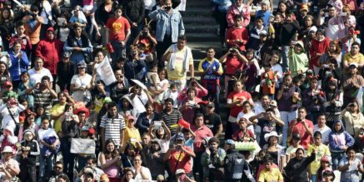 Emoción, disfraces y un Azteca a medio llenar: Así fue el homenaje a Chespirito
