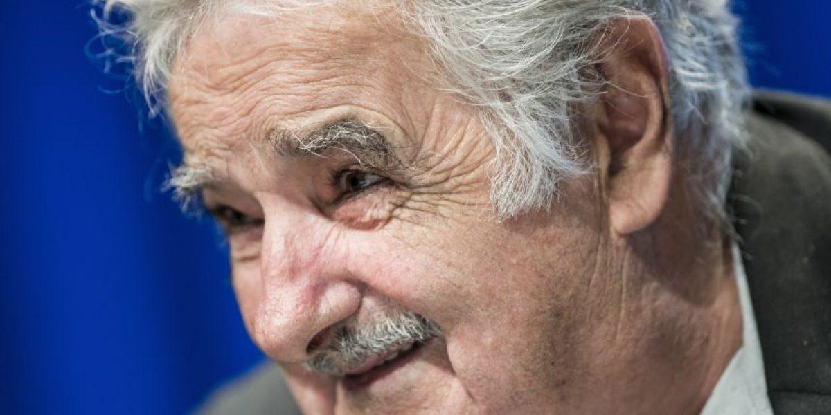 Mujica propone a Argentina recuperar las Malvinas