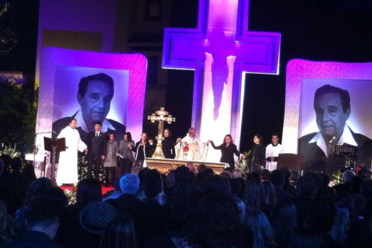 La familia Televisa dice adiós a Chespirito Foto:Facebook/Televisatelevisionmx. Imagen Por: