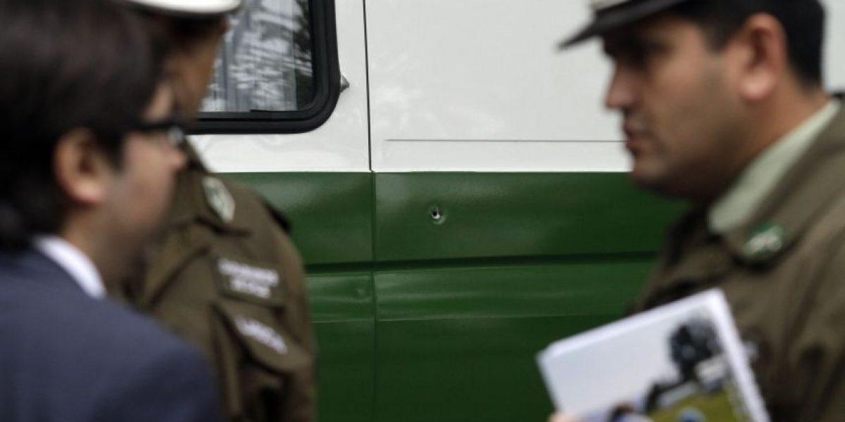 Delincuente se enfrenta a balas con dos jóvenes en el Barrio República