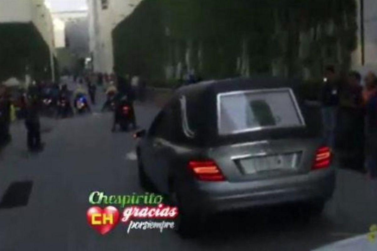 Varios medios registraron su llegada. Foto:Twitter/TelevisaTvMx. Imagen Por: