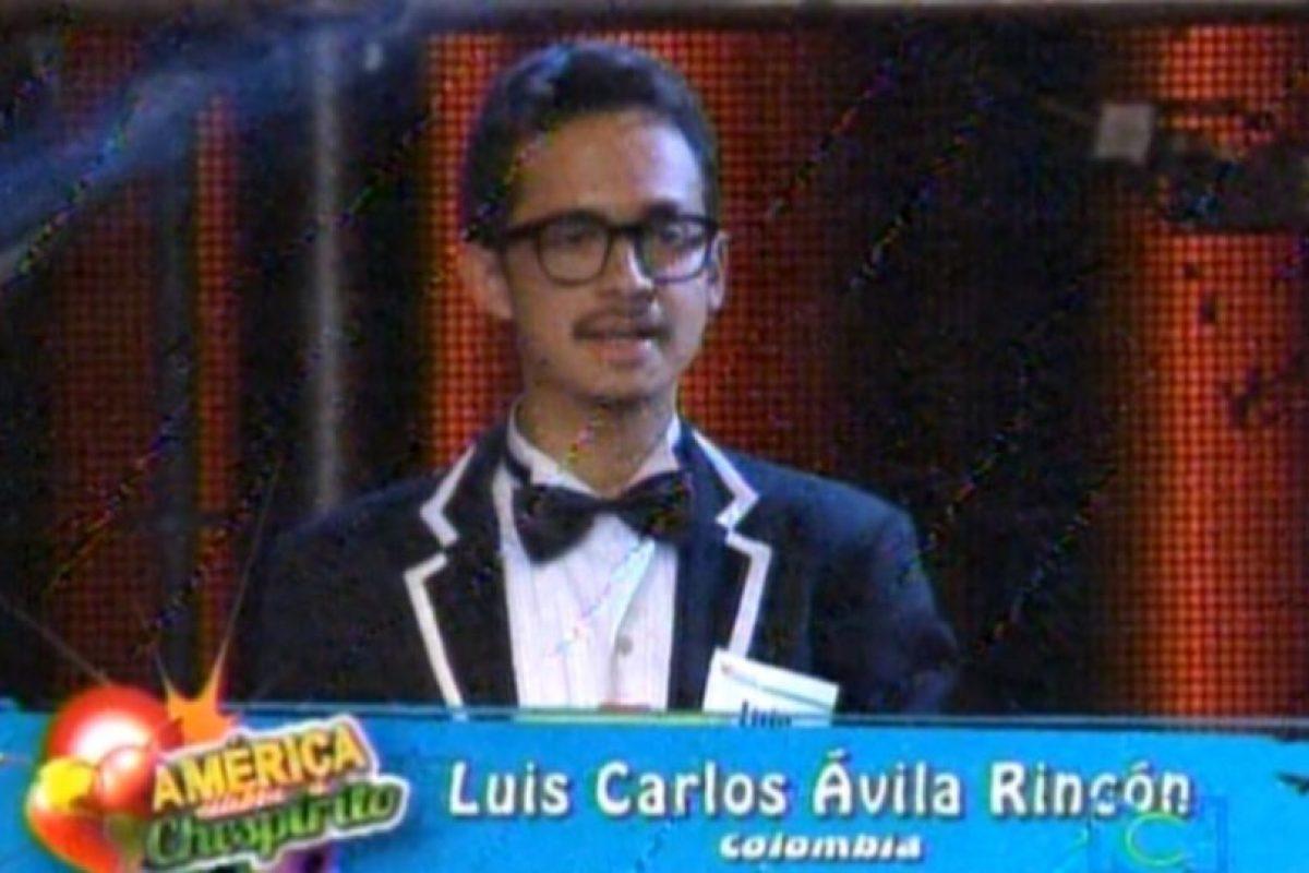 "Luis Carlos Ávila hizo su tésis universitaria sobre ""Chespirito"". Esto causó que Televisa lo invitara en 2012 al homenaje ""América celebra a ""Chespirito"" representando a Colombia Foto:RCN. Imagen Por:"