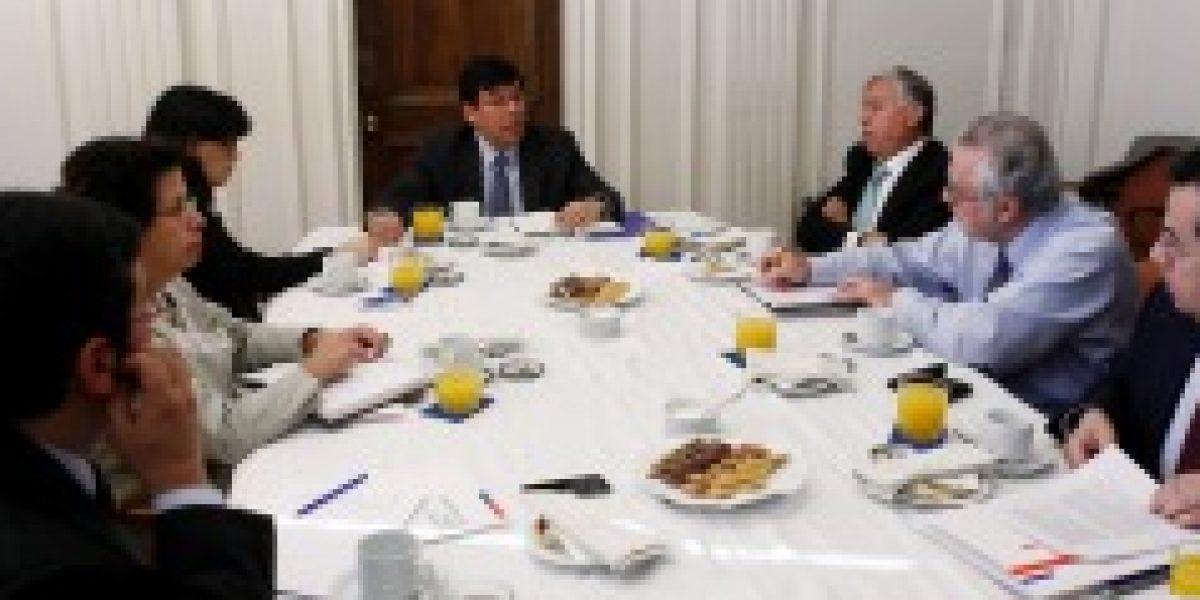 Ministro de Hacienda asegura que economía chilena tiene