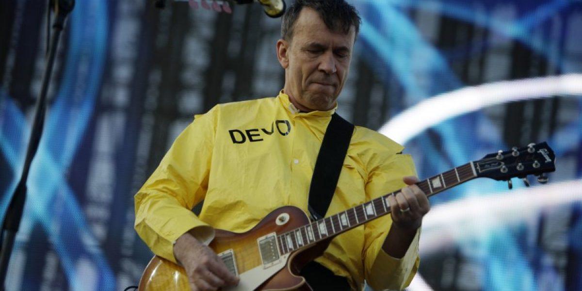 Devo se presentó en el RockOut Fest con la misma energía que en la década de los setenta