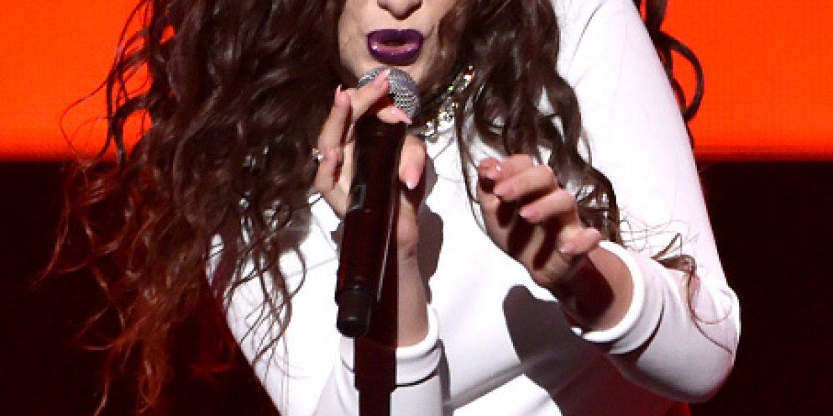 Lorde es sorprendida hurgando en la basura de sus vecinos