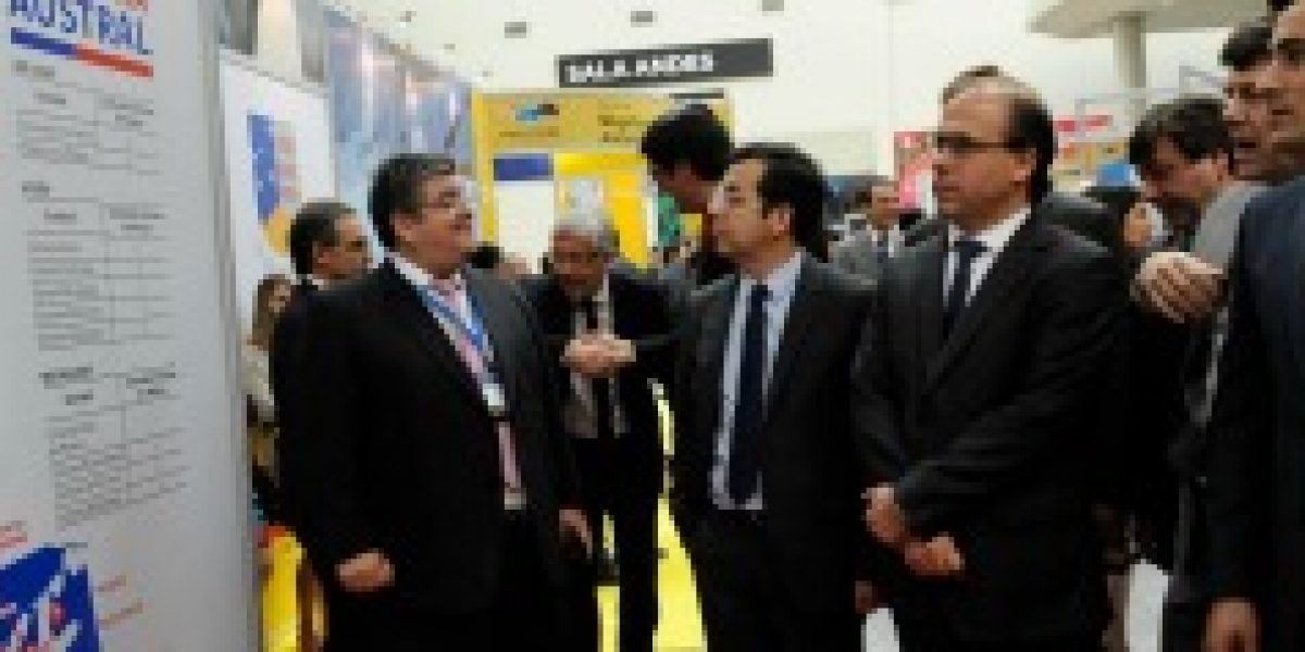Ministro Céspedes destaca plan de inversión pública que generará más actividad económica y desarrollo para las regiones