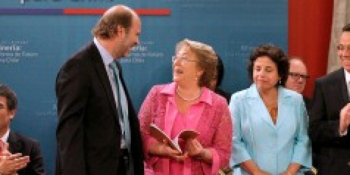 Bachelet recibió informe para modernizar la minería y hacerla más sustentable