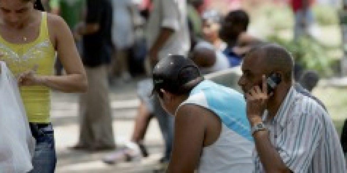 Cuba prevé incremento de 800.000 líneas de telefonía móvil en 2015