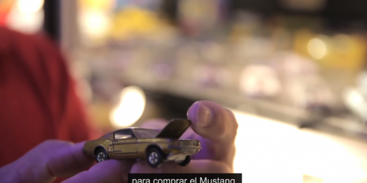Hombre tiene 5.500 Ford Mustang