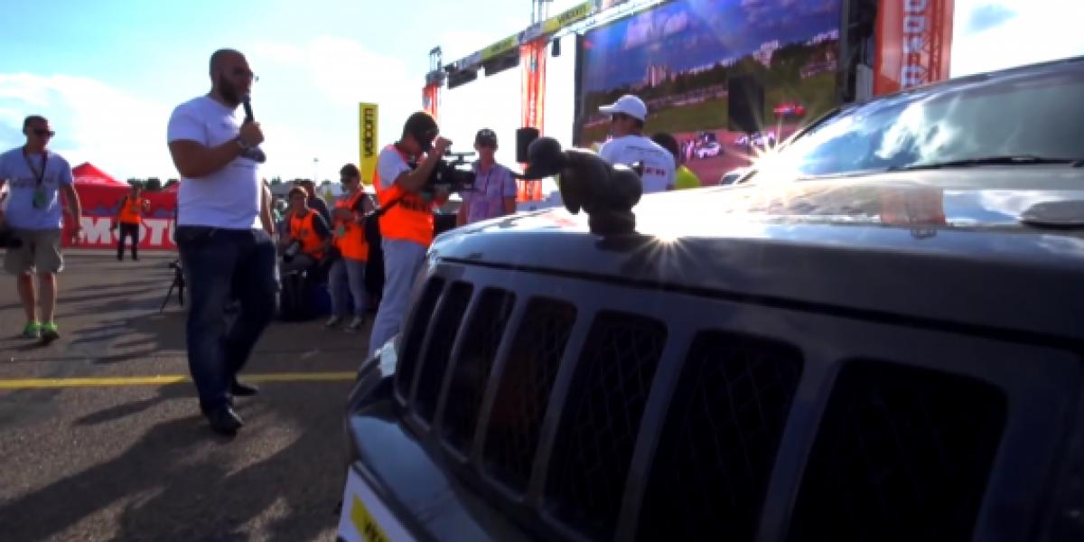Así acelera un Jeep Cherokee SRT8 turbo de 1200 hp