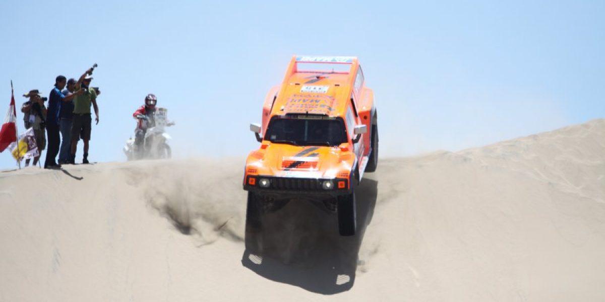 Dakar 2015: Robby Gordon se robó las miradas en las verificaciones técnicas