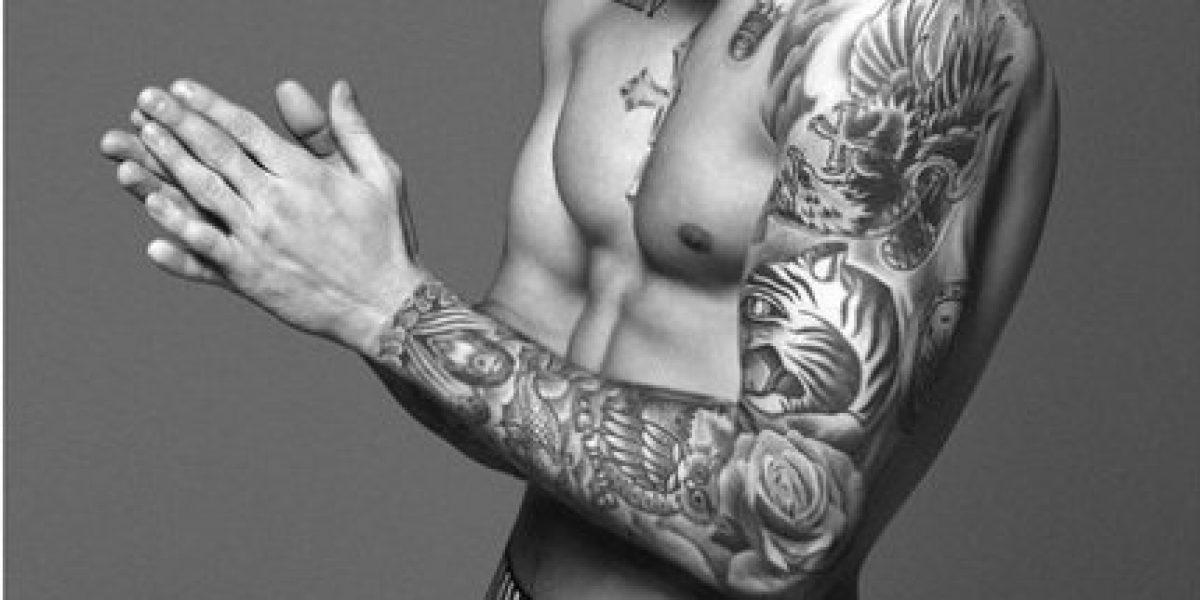 Justin Bieber hace gala de su trabajado cuerpo en campaña para ropa interior