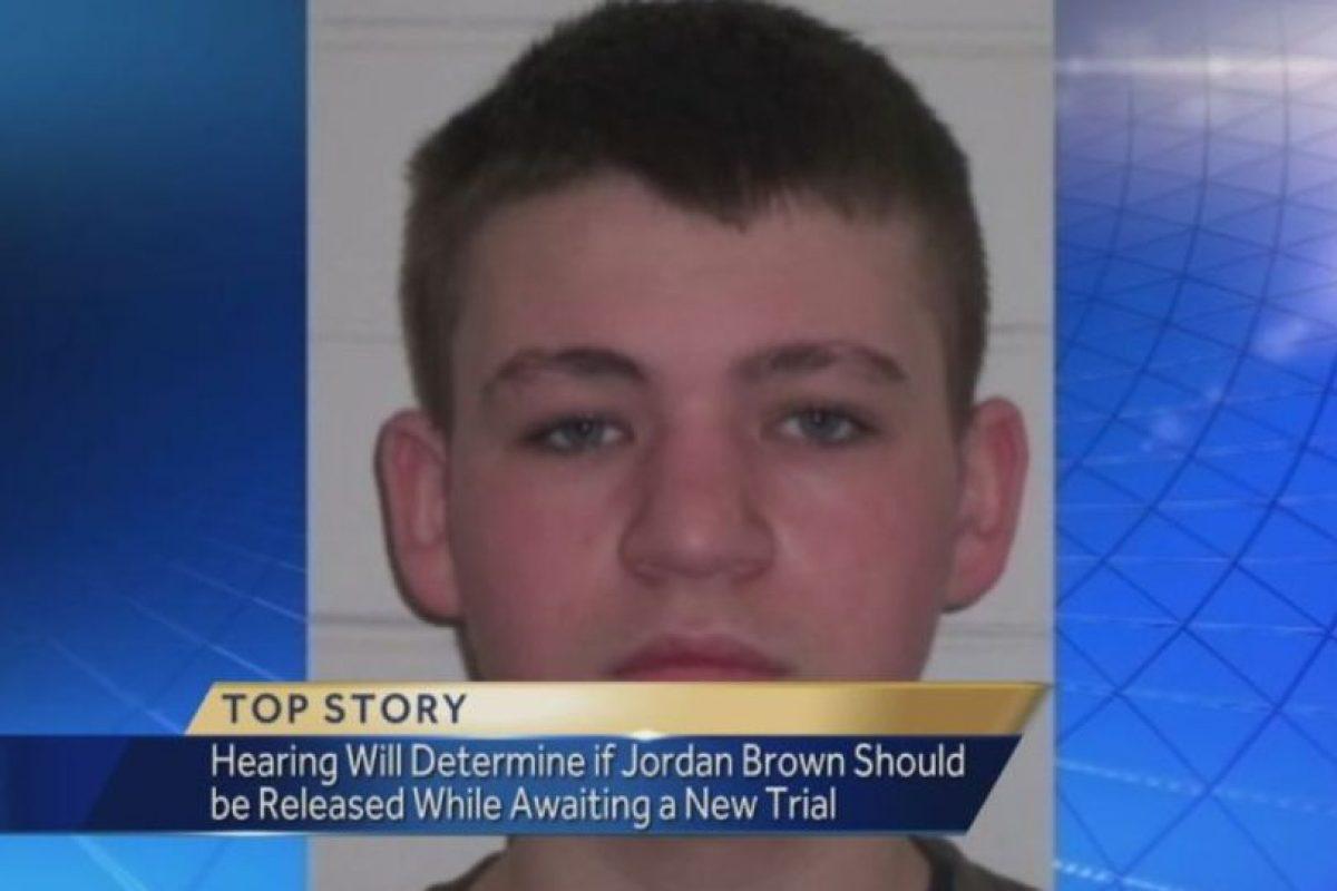 Jordan Brown: En 1997, cuando Jordan tenía once años, tomó la escopeta que le regaló su padre y le dio un tiro en la cabeza a su madrastra, que estaba embarazada de ocho meses. El niño, como si nada, salió de su casa y se subió al autobus para ir a la escuela. Fue condenado a cadena perpetua. Foto:WTAE. Imagen Por: