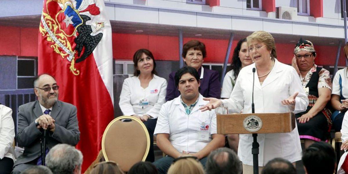 Bachelet desata las risas del público en plena actividad al aludir a Moreira y el