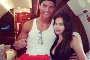Así viajaban en avión Ronaldo y Shaylk en junio de 2013. Foto:instagram.com/cristiano. Imagen Por: