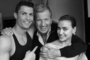 El fotógrafo y diseñador Mario Testino con la pareja para Vogue. Foto:instagram.com/irinashayk. Imagen Por: