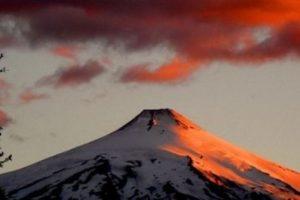 Ubicado en los Andes meridionales, este es uno de los más activos en América del Sur. Foto:instagram.com/travelballoons. Imagen Por: