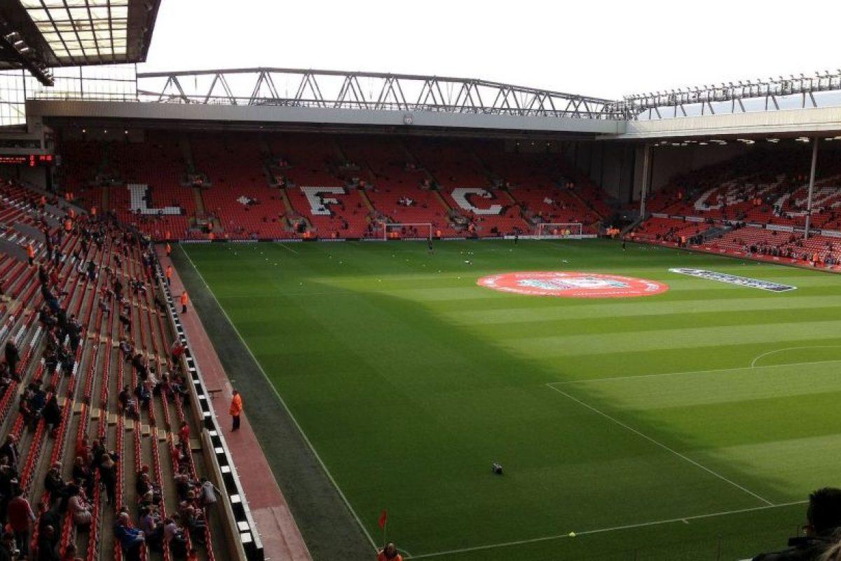 Anfield de Liverpool Foto:Wikipedia. Imagen Por: