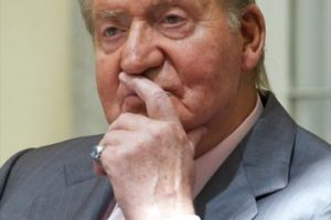 Su popularidad bajó a raíz del escándalo por la caza de elefantes. Foto:Getty Images. Imagen Por: