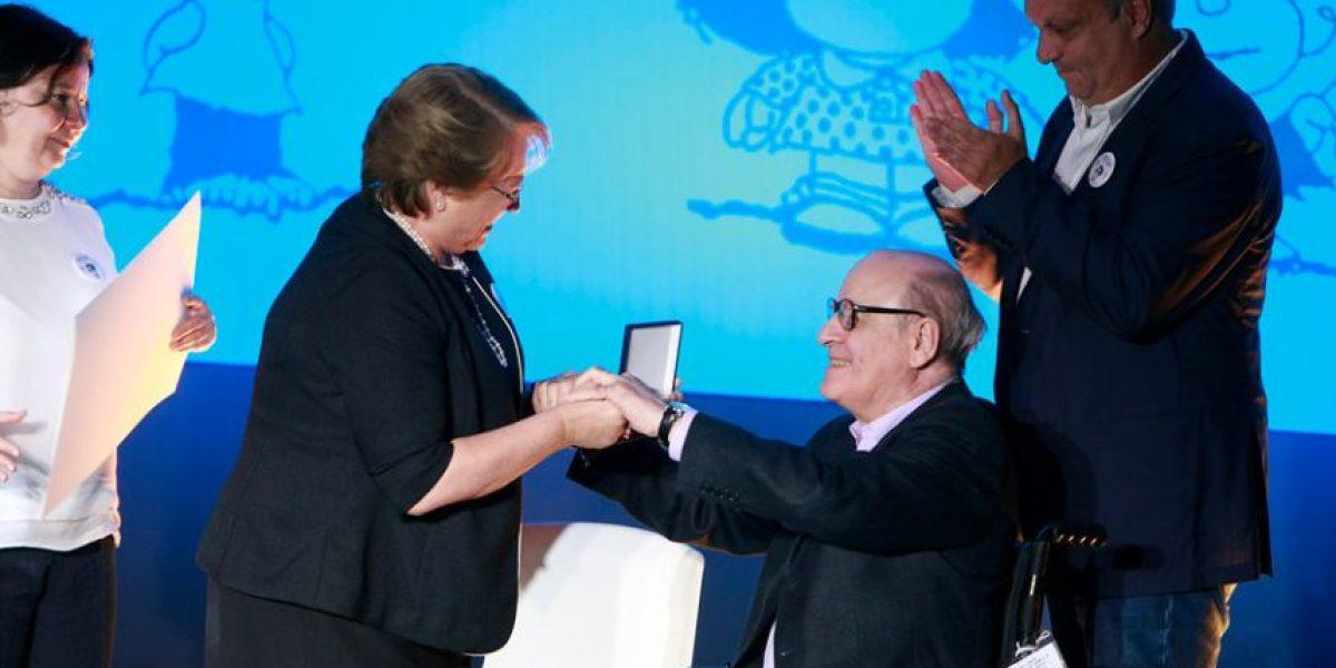 (FOTOS) Presidenta Bachelet reconoció con la