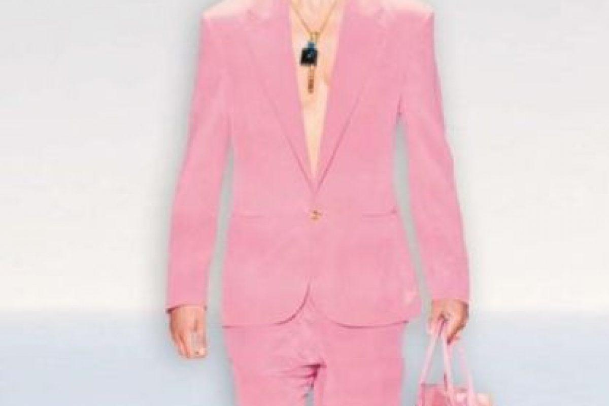 Rosa en el traje y la bolsa Foto:vía bild.de. Imagen Por:
