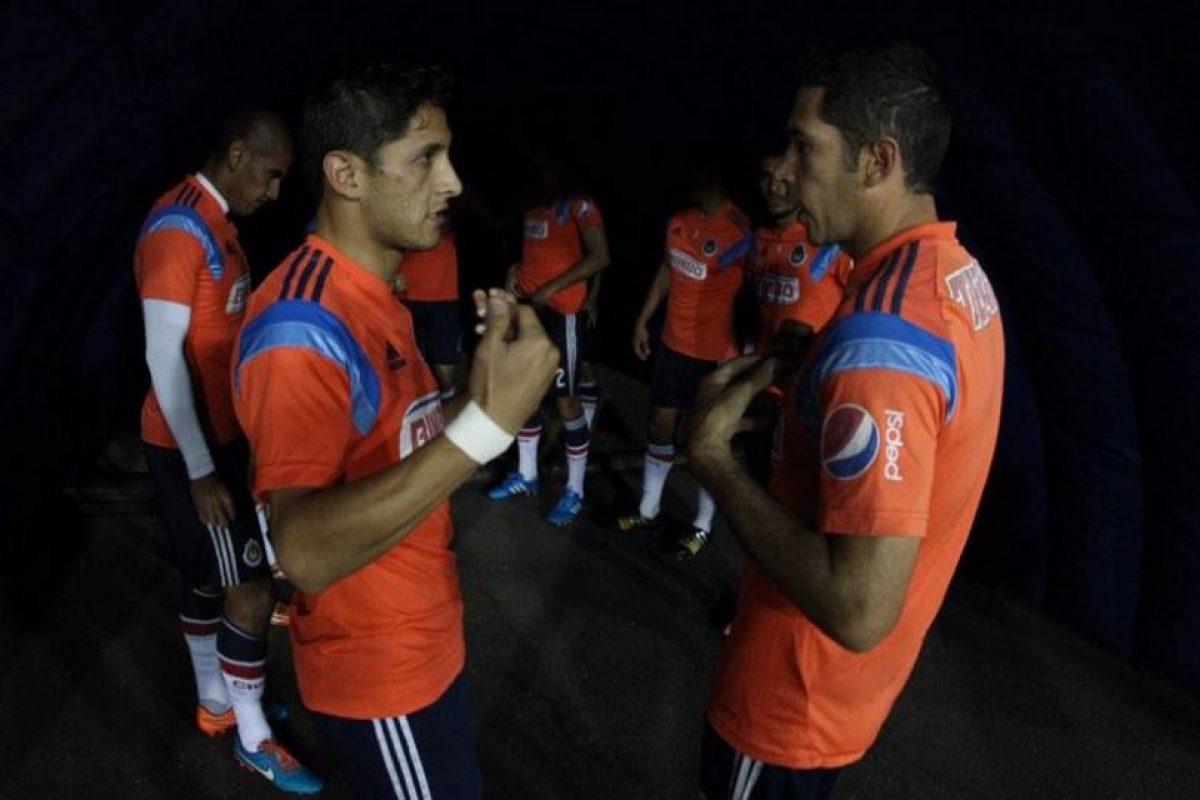 El segundo equipo más popular y más ganador de la Liga MX tiene problemas de descenso y pueden perder la categoría por primera vez Foto:Twitter: @Chivas. Imagen Por:
