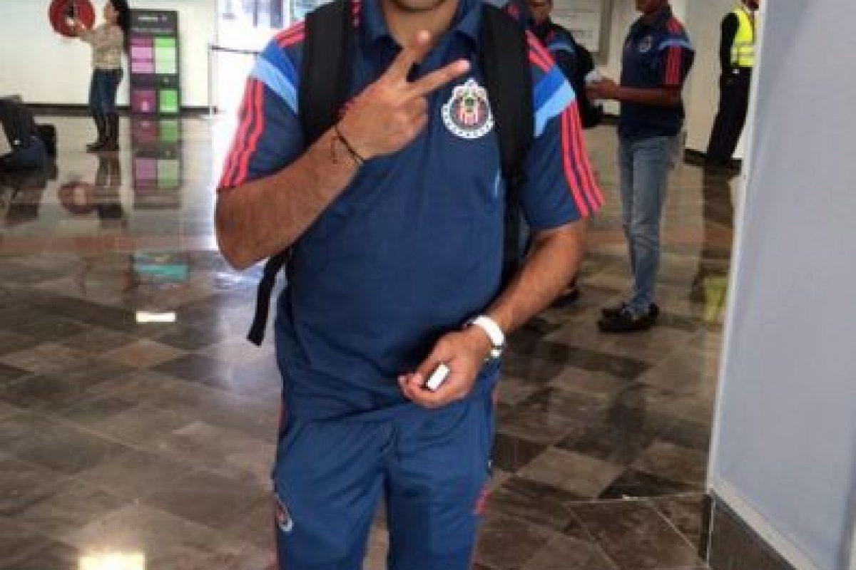 Y al seleccionado mexicano Marco Fabián Foto:Twitter: @Chivas. Imagen Por: