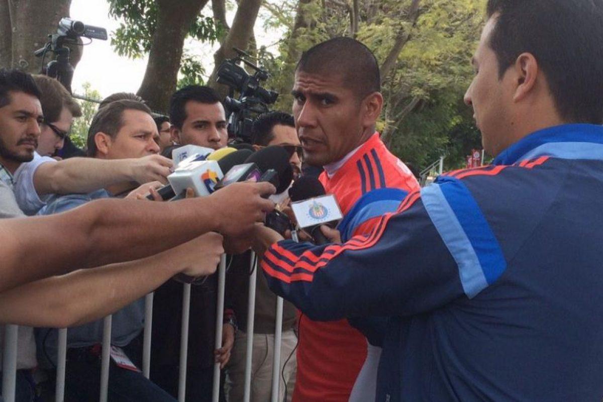 También tienen en sus filas a Carlos Salcido Foto:Twitter: @Chivas. Imagen Por: