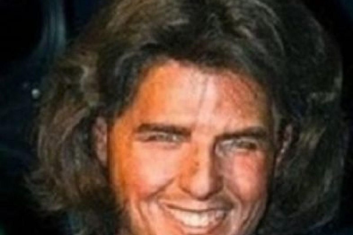 ¿Quién es él? ¿Una estrella porno en decadencia en los años 80? Foto:Albanpix. Imagen Por: