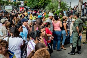 """""""La caída de los precios puede tener un efecto devastador, el cual crea una crisis política que beneficia a la oposición y que puede llevar a la caída de Nicolás Maduro del Gobierno"""", analiza el Maestro Barbosa. Foto:AFP. Imagen Por:"""