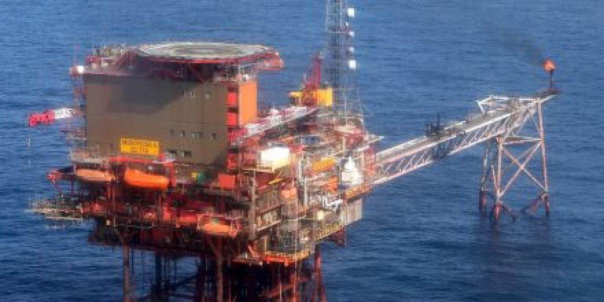¿Cómo afecta a América Latina la caída del precio del petróleo?