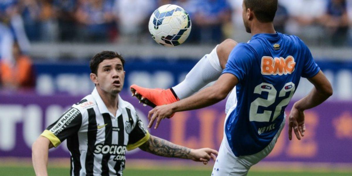 Eugenio Mena estaría más cerca de quedarse en Brasil que de Boca Juniors