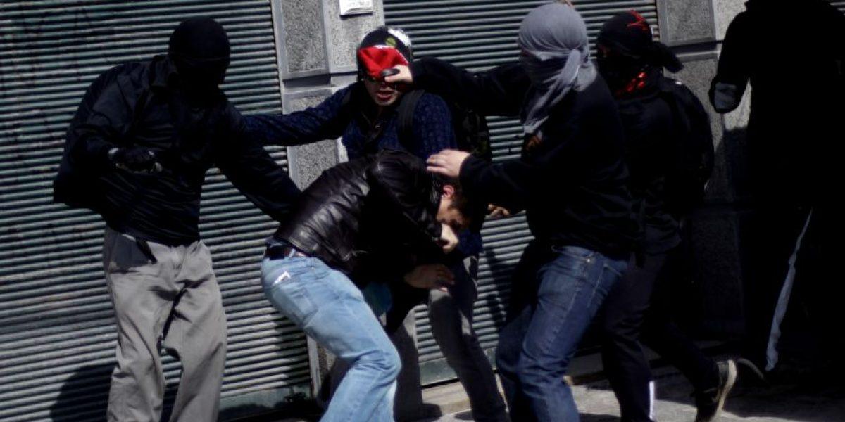 Once heridos dejó pelea entre hinchas de la U y Wanderers