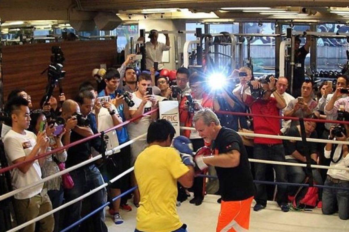 Aseguró que ya firmó los papeles para que se realice la pelea el 2 de mayo Foto:Instagram: @emmanuelpacquiao. Imagen Por: