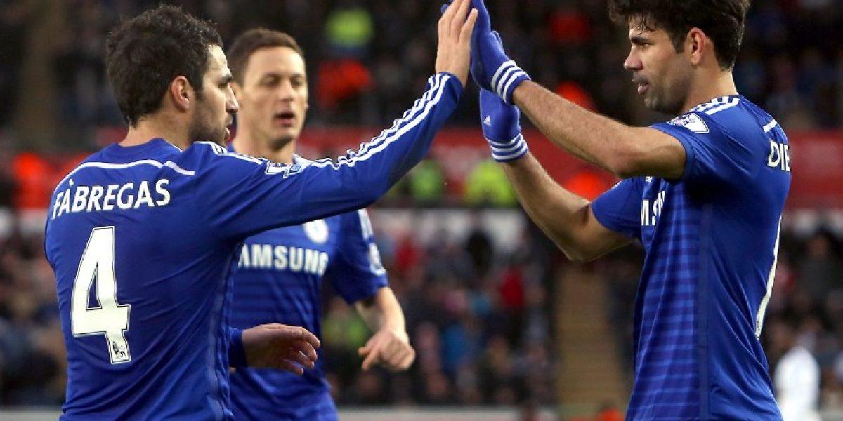 El Chelsea destrozó al Swansea y no suelta la cima de la Premier