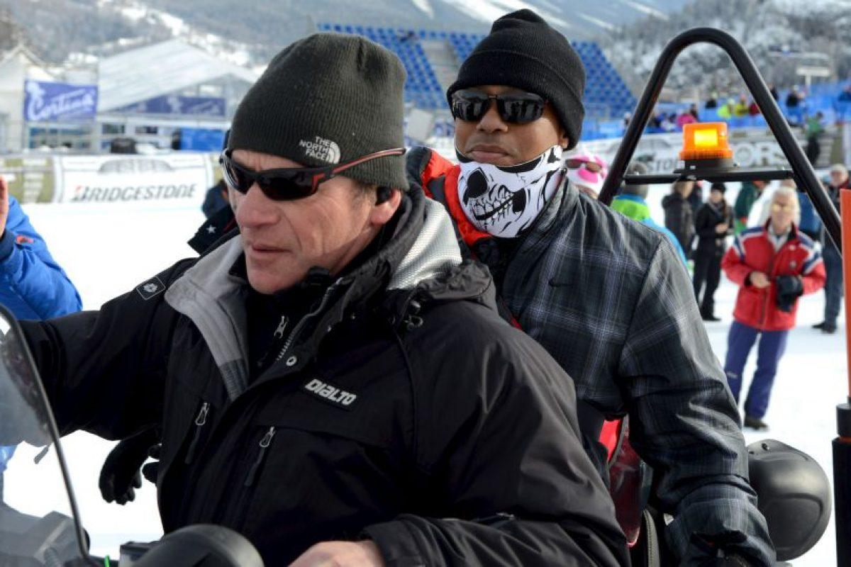 El golfista estadounidense se presentó así a la competencia de su novia, la esquiadora Lindsey Von Foto:AP. Imagen Por: