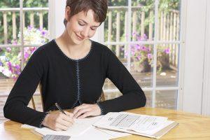 Si tienes deudas, reestructura tus gastos. Foto:Clipart. Imagen Por: