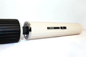 Este vibrador era de Hitachi, muy usado en los años 60 y 70. Pero su ergonomía… Foto:Gurl. Imagen Por: