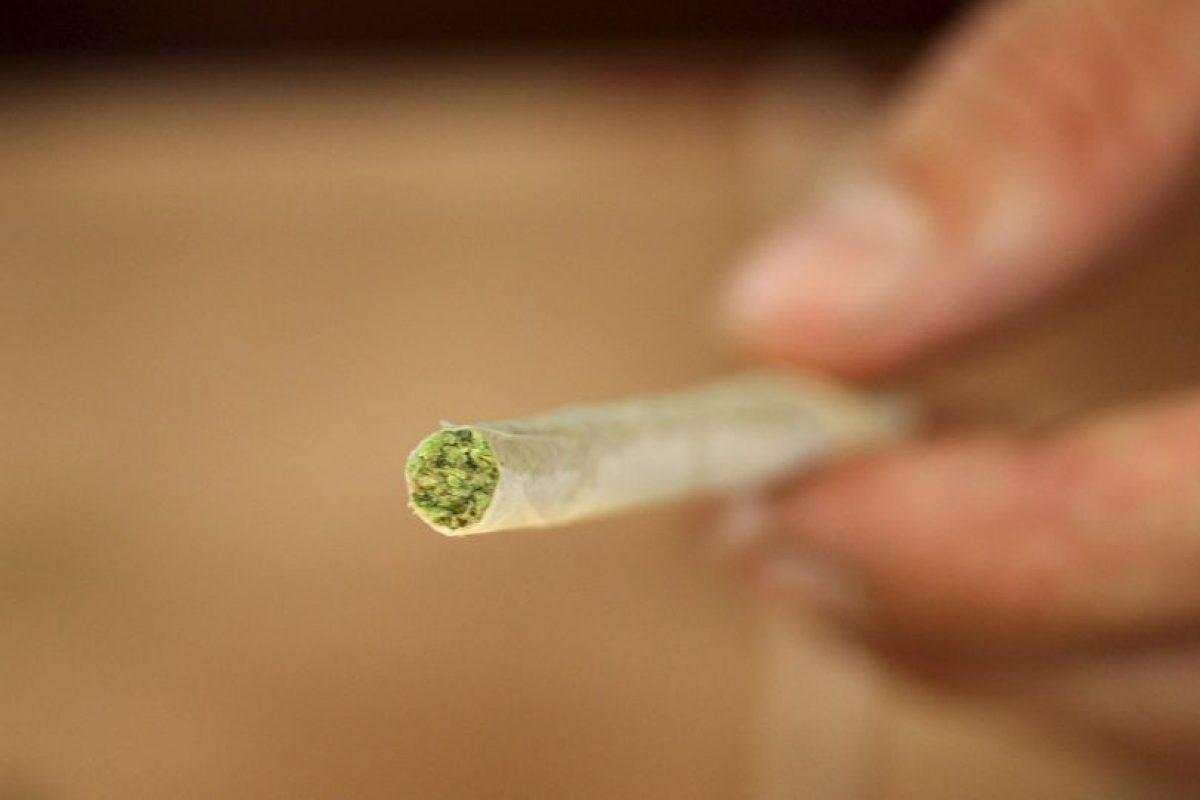 Investigadores estadounidenses revelaron que el ingrediente psicoactivo de la marihuana, el tetrahidrocarbocannabinol (THC), protege el tejido inmune en el intestino de los efectos dañinos del VIH, según el estudio Publicado en AIDS Research and Human Retroviruses. Foto:Getty Images. Imagen Por: