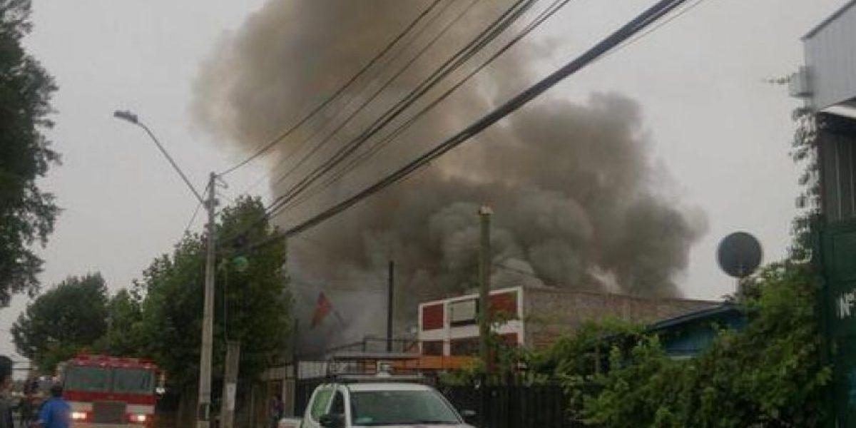 Más de 10 personas damnificadas dejó el incendio en Quilicura